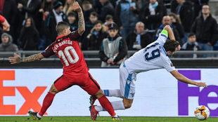 Banega, en el partido de ida en Roma contra la Lazio.