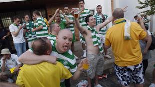 Aficionados del Celtic, en las calles de Vilarreal.
