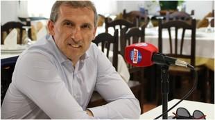 Óscar Arias, durante una entrevista con radio MARCA