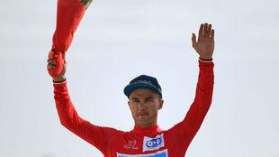Alexey Lutsenko, en el podio.