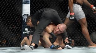 Caín Velásquez en su regreso a la UFC