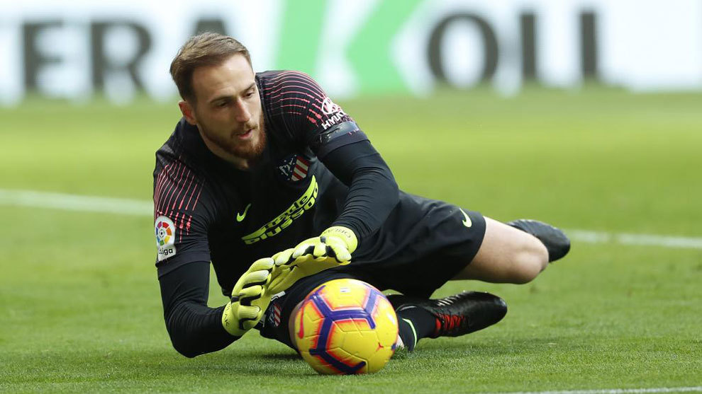 Oblak during a match for Atlético Madrid.