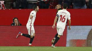 Sarabia y Jesús Navas celebran el 2-0 ante la Lazio.