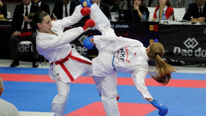 Dos karatecas en el último Mundial.