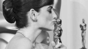 Penélope Cruz y su Oscar a mejor actriz de reparto por 'Vicky...
