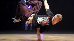Practicante de breakdance