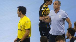 Rafa Guijosa durante un partido con el Ademar
