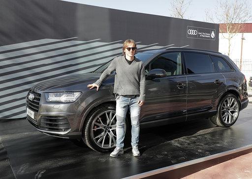 Luka Modric with the Q7 50 TDI quattro tiptronic