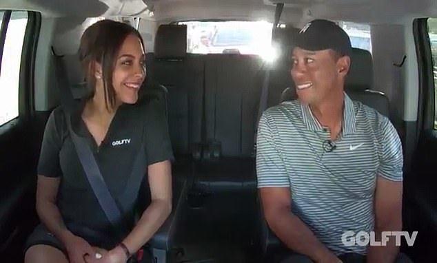 Tiger Woods con Henni Zuel durante su entrevista en un Taxi para...
