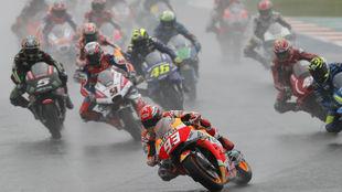 Arranque de la cita de Valencia de MotoGP en 2018.