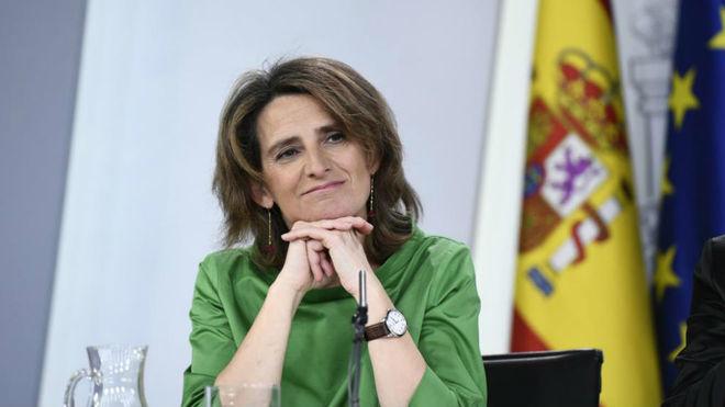 La ministra para la Transición Ecológica, Teresa Ribera, tras el...