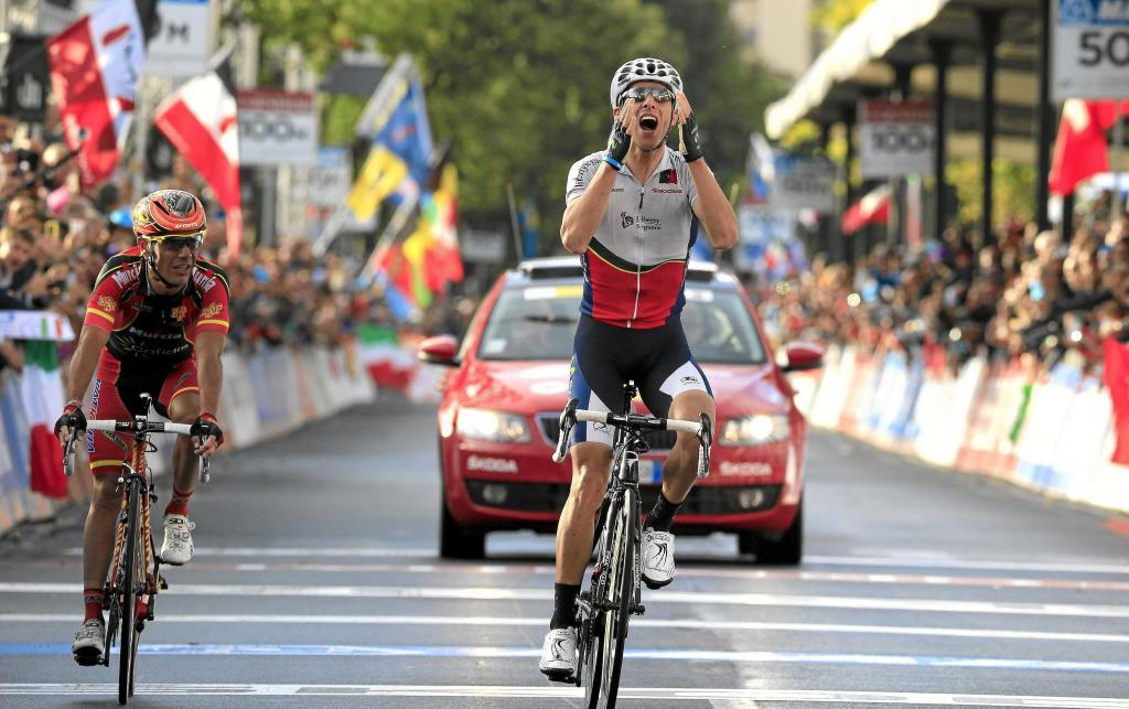 Gold medalist Portugals Alberto <HIT>Rui</HIT><HIT>Costa</HIT> (R) and Spains Joaquin Rodriguez cross the finnish line of the elite mens road race UCI World Championship on September 29, 2013 in Florence. Portugals Alberto <HIT>Rui</HIT><HIT>Costa</HIT> stunned Spanish rival Joaquin Rodriguez to win the elite mens road race at the world cycling championships today. Rodriguez finished second to take the silver with compatriot Alejandro Valverde taking bronze at the end of an epic, rain-hit 272.2 km race that claimed several pre-race favourites as well as the entire British team. AFP PHOTO / LUK BENIES