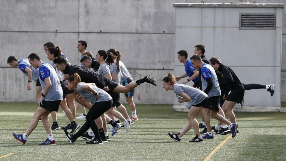 Las árbitras de la Liga Iberdrola pasan los test físicos en Las...