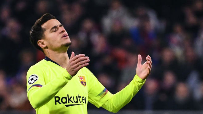 Philippe Coutinho frustrated during a Champions League match.