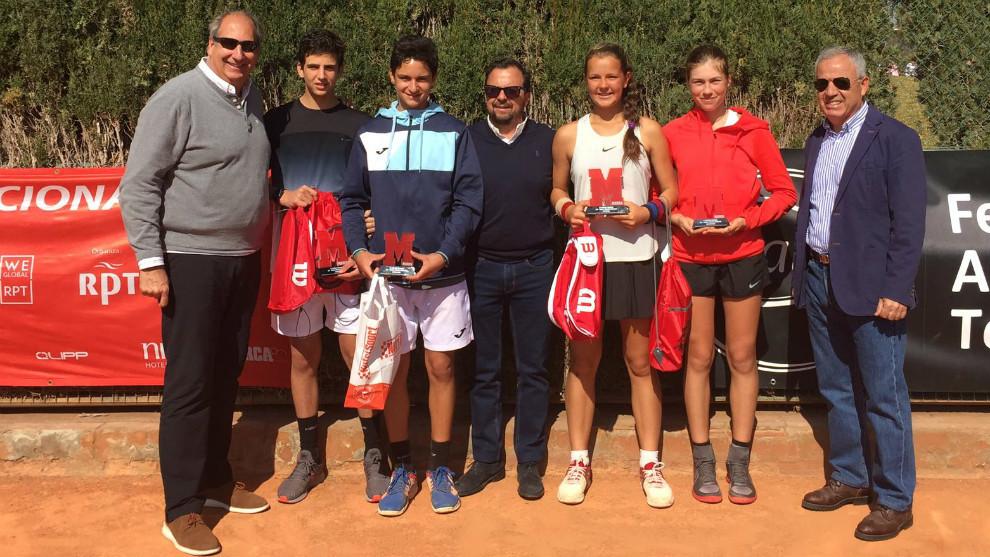 Campeones y finalistas del torneo MARCA Jóvenes Promesas celebrado en...