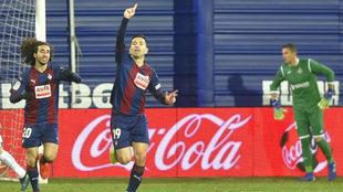 Charles celebra un gol con el Eibar.