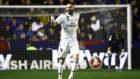 Benzema celebra su gol al Levante este domingo.