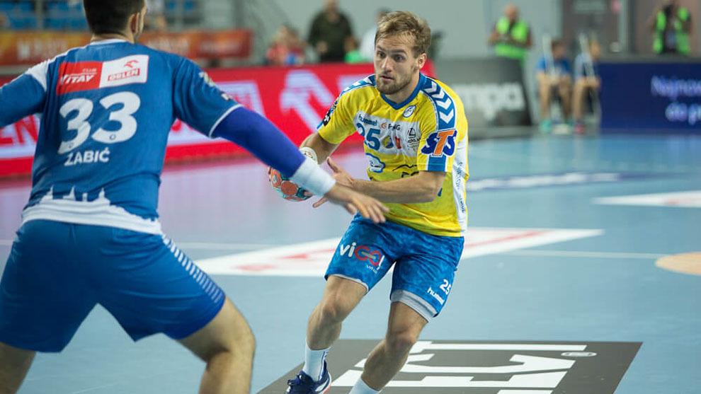 El central croata Luka Cindric durante un partido ante el Wisla Plock