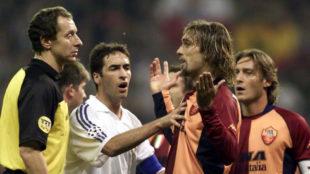 Batistuta, en un Madrid-Roma junto a Raúl y Totti