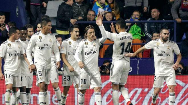 Real Madrid celebrate against Levante.