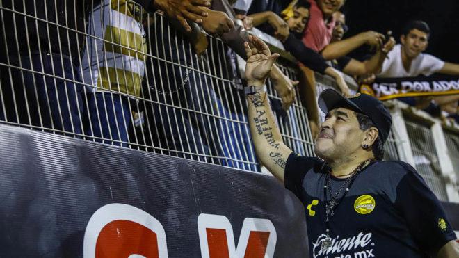 Maradona y Dorados avanzan a cuartos.
