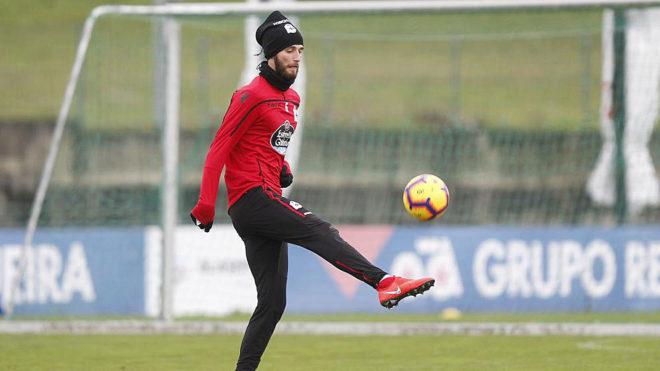 Domingos Duarte, en un entrenamiento del Deportivo.