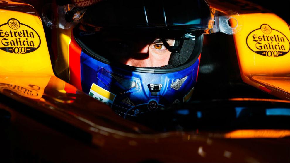 Carlos Sainz en un momento de los test F1 en Montmeló