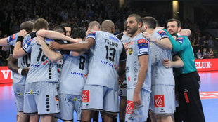 La plantilla del Nantes, tras su partido en Alemania contra el...
