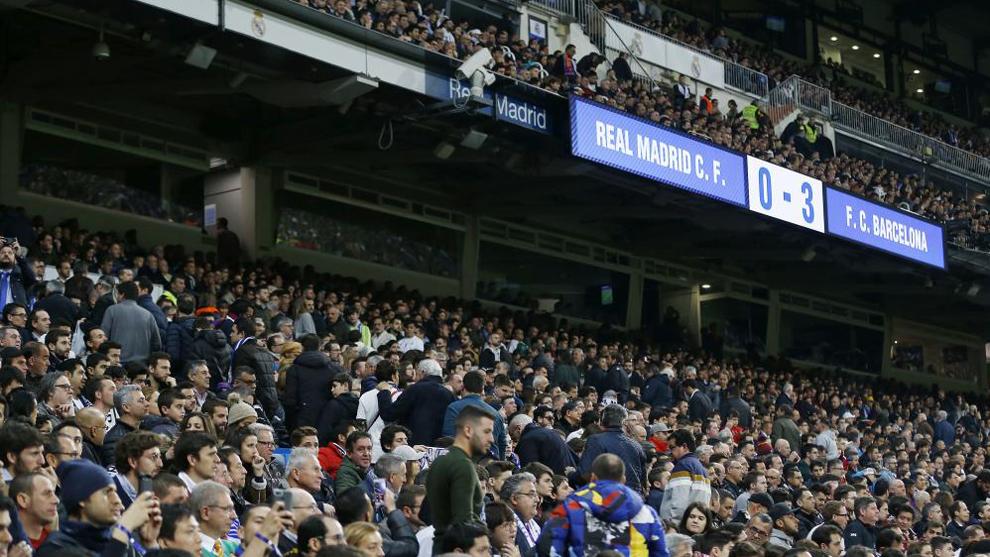El público del Bernabéu yéndose antes de tiempo