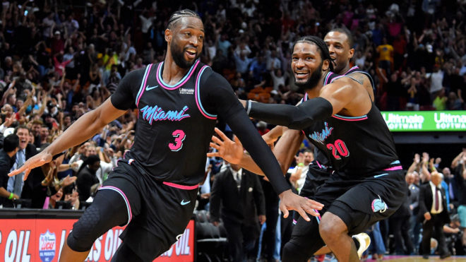 Dwyane Wade y un triple imposible contra Golden State Warriors