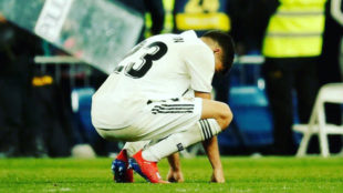 Reguilón, abatido tras el final del partido