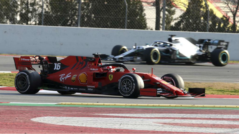 Leclerc, con Bottas al fondo.