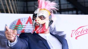 Psycho Clown reta a Caín Velásquez a subirse al ring.
