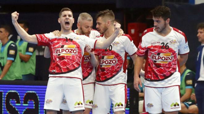 Fernan celebra uno de los goles de ElPozo.