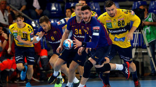 Fabregas inicia un contragolpe del Barcelona /