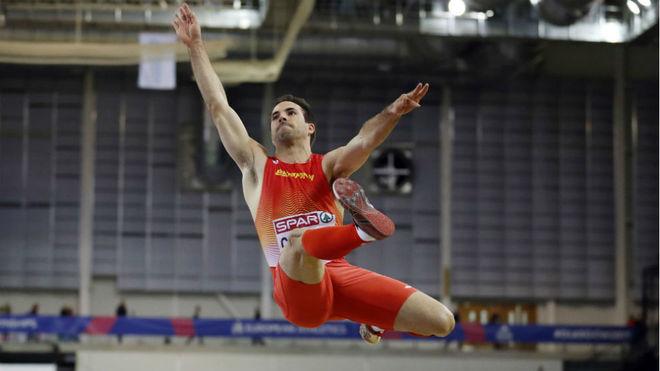 Eusebio Cáceres, en la final de longitud
