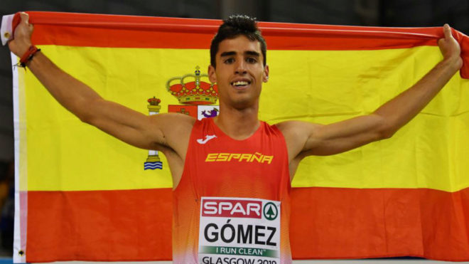 Jesús Gómez celebra su bronce en los 1.500.