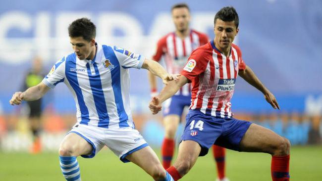Rodrigo, ante la Real Sociedad.