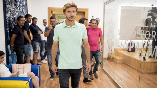 Barcelona Release Samper Amid Reports of J League Move