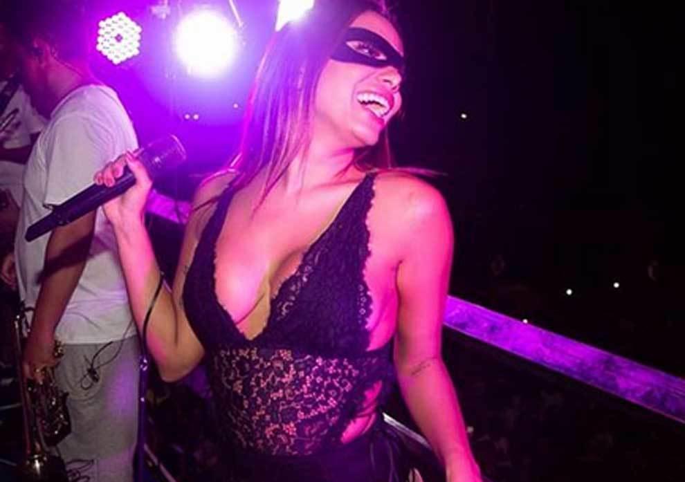 La cantante Anitta acompañó a Neymar en el Carnaval de Río de Janeiro