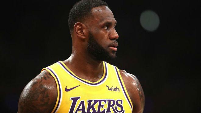 LeBron James durante la derrota de los Lakers ante los Clippers