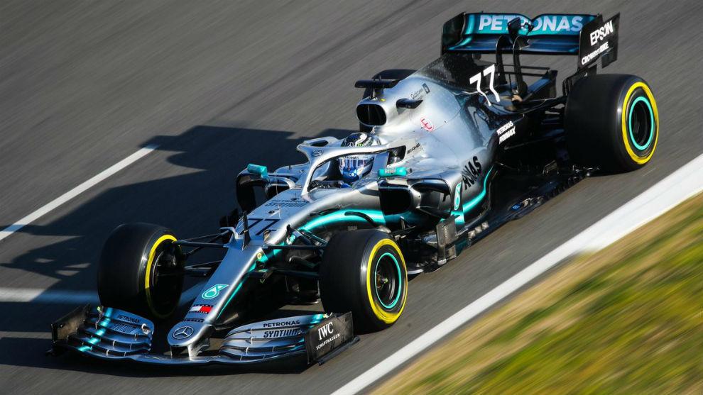 El Mercedes W100 de la segunda semana en Montmeló con Bottas