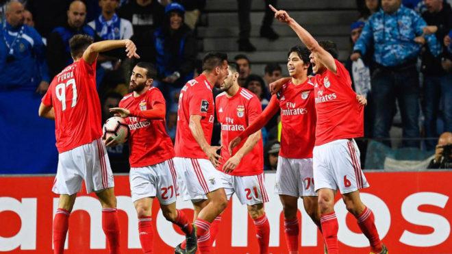 Ferro, Silva, Gabriel, Pizzi, Joao Félix y Dias festejan el 1-1...