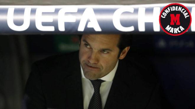 Santiago Solari during the match against Ajax