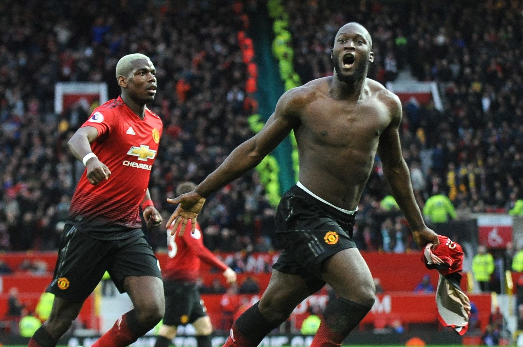 Romeu Lukaku celebrando un gol con el Manchester United