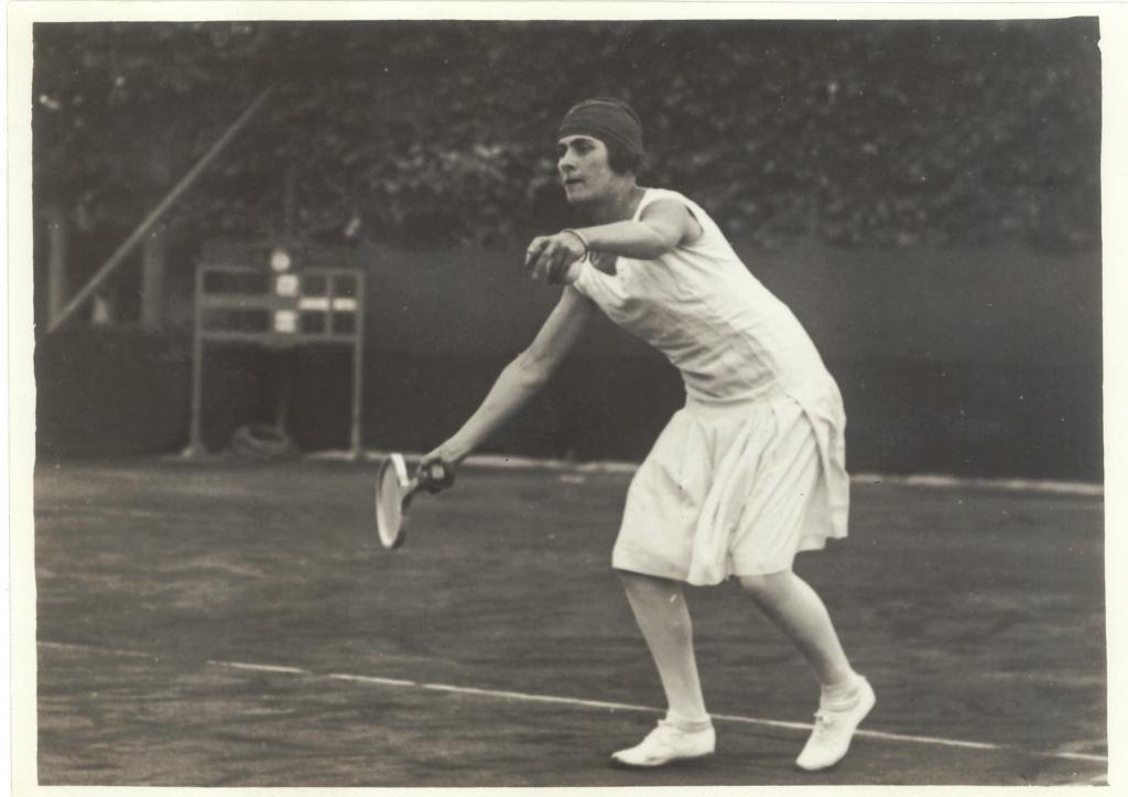 Considerada la gran pionera del deporte español. Destacó, sobre...