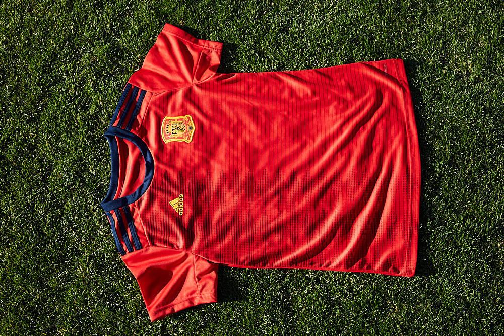 ef8ac67eaad76 Camiseta de la selección española femenina de fútbol para el Mundial de  Francia 2019.