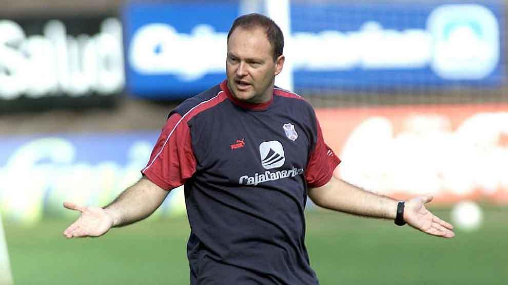 Un joven Pepe Mel, hace 17 años en su época de entrenador del...