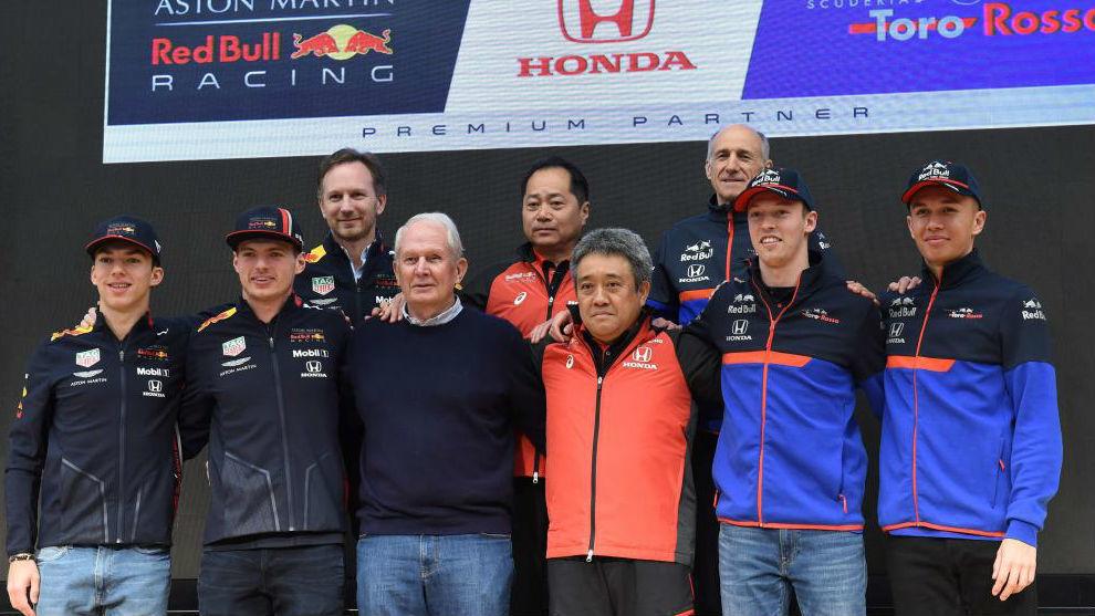 Gasly, Verstappen, Helmut Marko, Masashi Yamamoto (Honda). Kvyat y...