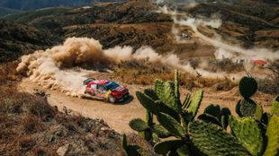 Sébastien Ogier está teniendo la suerte de cara en el Rally de...